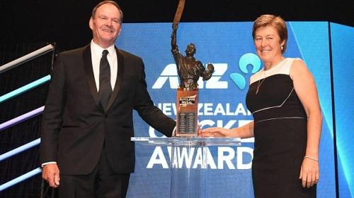 Neil Sulzberger awarded Bert Sutcliffe medal